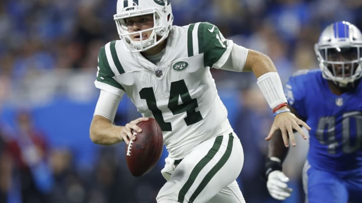 DETROIT, MI – SEPTEMBER 10: Sam Darnold #14 of the New York Jets drops back to pass in the second quarter against the Detroit Lions at Ford Field on September 10, 2018 in Detroit, Michigan. (Photo by Joe Robbins/Getty Images)