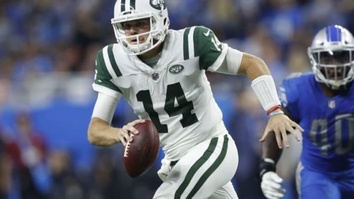 DETROIT, MI - SEPTEMBER 10: Sam Darnold #14 of the New York Jets drops back to pass in the second quarter against the Detroit Lions at Ford Field on September 10, 2018 in Detroit, Michigan. (Photo by Joe Robbins/Getty Images)