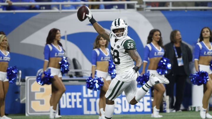 DETROIT, MI – SEPTEMBER 10: Darron Lee #58 of the New York Jets intercepts the ball, runs it in for a touchdown in the second half against the Detroit Lions at Ford Field on September 10, 2018 in Detroit, Michigan. (Photo by Joe Robbins/Getty Images)
