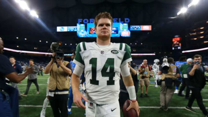 DETROIT, MI – SEPTEMBER 10: Sam Darnold #14 of the New York Jets exits the field after the game against the Detroit Lions at Ford Field. The Jets won 48 to 17 on September 10, 2018 in Detroit, Michigan. New York Jets (Photo by Rey Del Rio/Getty Images)