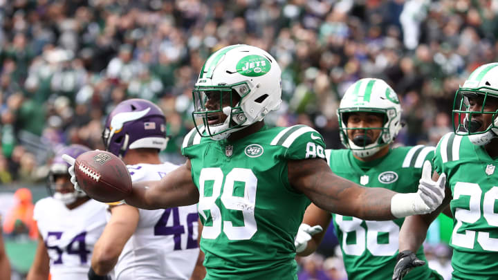 EAST RUTHERFORD, NJ – OCTOBER 21: Chris Herndon #89 of the New York Jets celebrates his touchdown catch against the Minnesota Vikings during their game at MetLife Stadium on October 21, 2018 in East Rutherford, New Jersey. (Photo by Al Bello/Getty Images)