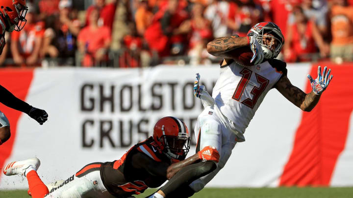 TAMPA, FL – OCTOBER 21: Mike Evans #13 of the Tampa Bay Buccaneers makes a catch during a game against the Cleveland Browns at Raymond James Stadium on October 21, 2018 in Tampa, Florida. (Photo by Mike Ehrmann/Getty Images)