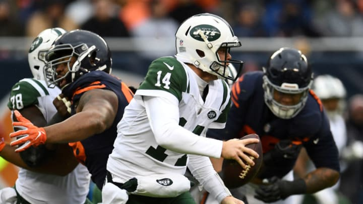 CHICAGO, IL - OCTOBER 28: Quarterback Sam Darnold #14 of the New York Jets looks to pass the football in the second quarter against the Chicago Bears at Soldier Field on October 28, 2018 in Chicago, Illinois. (Photo by Stacy Revere/Getty Images)