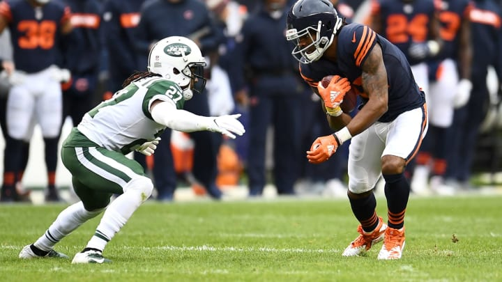CHICAGO, IL – OCTOBER 28: Kevin White #11 of the Chicago Bears carries the football against Darryl Roberts #27 of the New York Jets in the second quarter at Soldier Field on October 28, 2018 in Chicago, Illinois. (Photo by Stacy Revere/Getty Images)