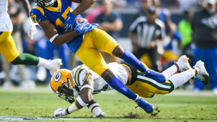 LOS ANGELES, CA – OCTOBER 28: Wide receiver Robert Woods #17 of the Los Angeles Rams catches the pass in the second quarter against the Green Bay Packers at Los Angeles Memorial Coliseum on October 28, 2018 in Los Angeles, California. (Photo by John McCoy/Getty Images)