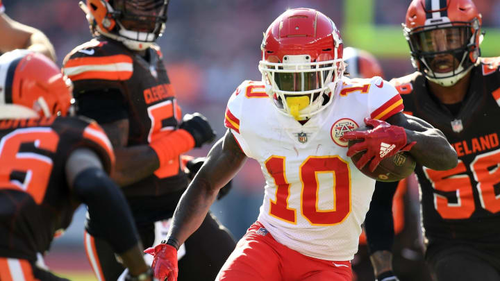 CLEVELAND, OH – NOVEMBER 04: Tyreek Hill #10 of the Kansas City Chiefs carries the ball during the second quarter against the Cleveland Browns at FirstEnergy Stadium on November 4, 2018 in Cleveland, Ohio. (Photo by Jason Miller/Getty Images)