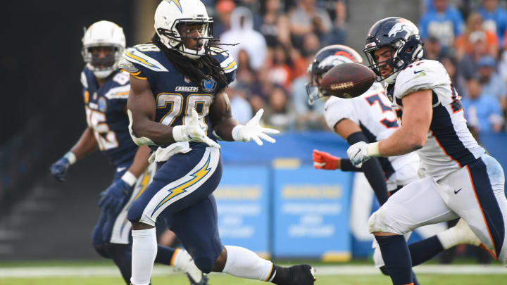 CARSON, CA – NOVEMBER 18: Running back Melvin Gordon #28 of the Los Angeles Chargers makes a catch in front of inside linebacker Joey Jewell #47 of the Denver Broncos for a first down in the third quarter at StubHub Center on November 18, 2018 in Carson, California. (Photo by Harry How/Getty Images)