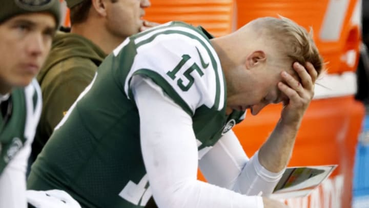 EAST RUTHERFORD, NEW JERSEY - NOVEMBER 11: Josh McCown #15 of the New York Jets reacts in the fourth quarter at MetLife Stadium on November 11, 2018 in East Rutherford, New Jersey. The Buffalo Bills defeated the New York Jets 41-10. (Photo by Michael Owens/Getty Images)