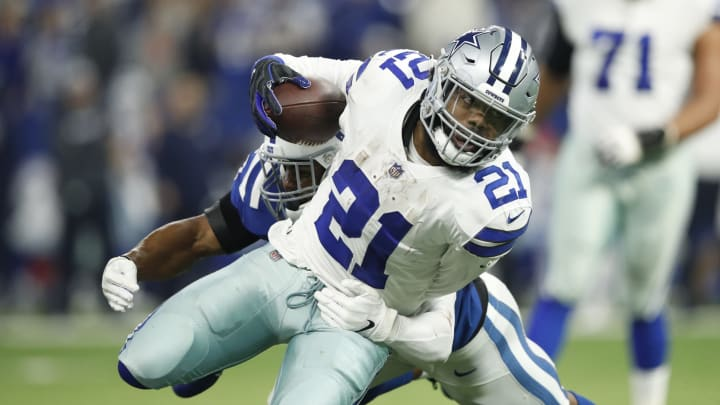 INDIANAPOLIS, INDIANA – DECEMBER 16: Ezekiel Elliot #21 of the Dallas Cowboys runs the ball in the game against the Indianapolis Colts in the second quarter at Lucas Oil Stadium on December 16, 2018 in Indianapolis, Indiana. (Photo by Joe Robbins/Getty Images)