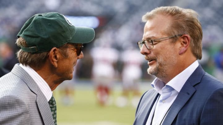 EAST RUTHERFORD, NJ - AUGUST 24: New York Jets legend Joe Namath talks with GM Mike Maccagnan on the sidelines before a preseason game against the New York Giants at MetLife Stadium on August 24, 2018 in East Rutherford, New Jersey. (Photo by Jeff Zelevansky/Getty Images)