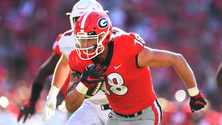 ATHENS, GA – SEPTEMBER 1: Isaac Nauta #18 of the Georgia Bulldogs runs with a catch for a second half touchdown against the Austin Peay Governors on September 1, 2018 in Athens, Georgia. (Photo by Scott Cunningham/Getty Images)