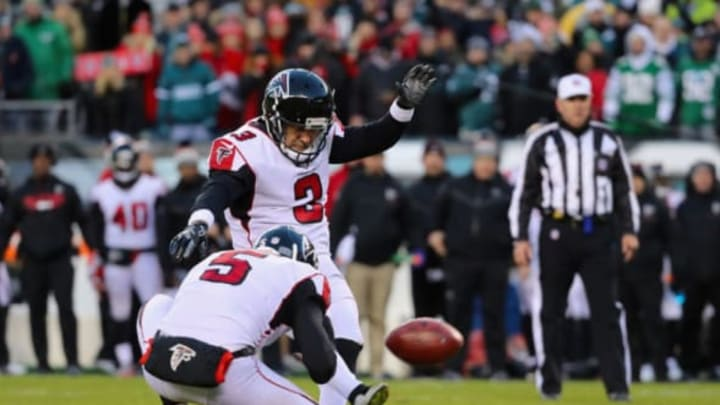 PHILADELPHIA, PA – JANUARY 13: Kicker Matt Bryant #3 of the Atlanta Falcons kicks a field goal against the Philadelphia Eagles during the first quarter in the NFC Divisional Playoff game at Lincoln Financial Field on January 13, 2018 in Philadelphia, Pennsylvania. (Photo by Abbie Parr/Getty Images)