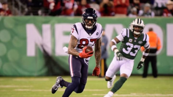 EAST RUTHERFORD, NJ – DECEMBER 15: Wide receiver Demaryius Thomas #87 of the Houston Texans makes a first-down reception against the New York Jets during the second quarter at MetLife Stadium on December 15, 2018 in East Rutherford, New Jersey.New York Jets (Photo by Steven Ryan/Getty Images)
