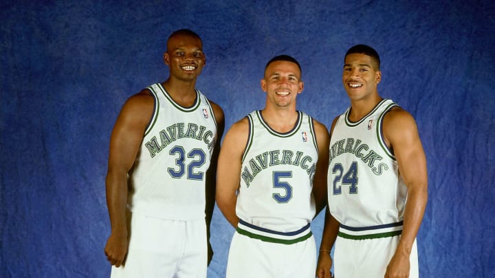 DALLAS – 1995: (L-R) Jamaal Mashburn #32, Jason Kidd #5 and Jim Jackson #24 of the Dallas Mavericks pose for a portrait circa 1995 in Dallas, Texas. NOTE TO USER: User expressly acknowledges and agrees that, by downloading and or using this photograph, User is consenting to the terms and conditions of the Getty Images License Agreement. (Photo by Layne Murdoch/NBAE via Getty Images)