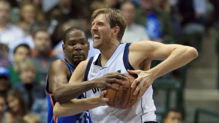 Dallas Mavericks Dirk Nowitzki Kevin Durant (Photo by Tom Pennington/Getty Images)