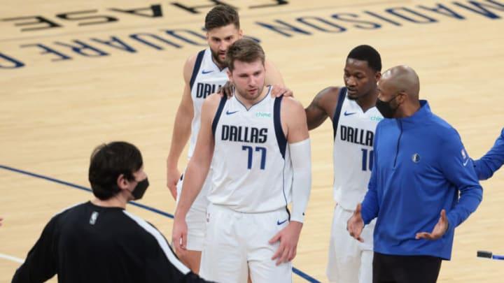 Dallas Mavericks Luka Doncic Jamahl Mosley Mandatory Credit: Vincent Carchietta-USA TODAY Sports
