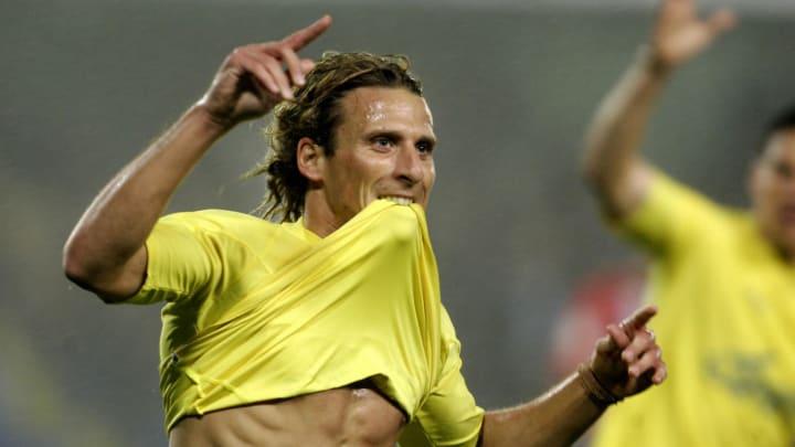 Villarreal Uruguayan Diego Forlan celebr