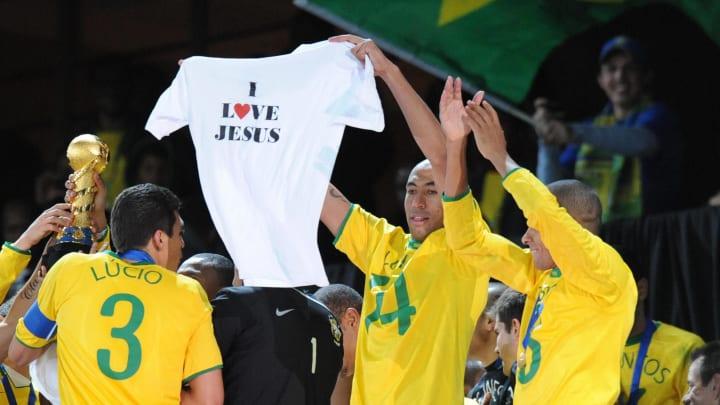 Brazilian defender Luisao waves a tee sh