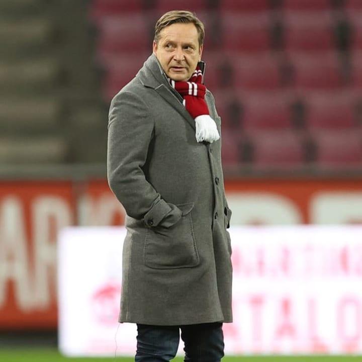 Horst Heldt wird im Winter vorrangig mit möglichen Abgängen beschäftigt sein