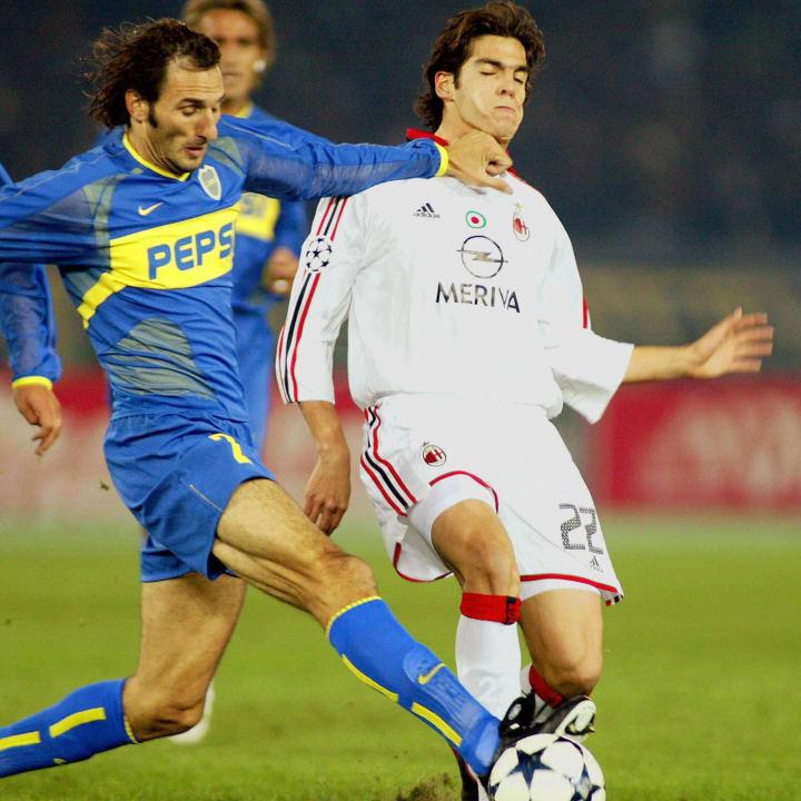 AC Milan midfielder Kaka (R) of Brazil a
