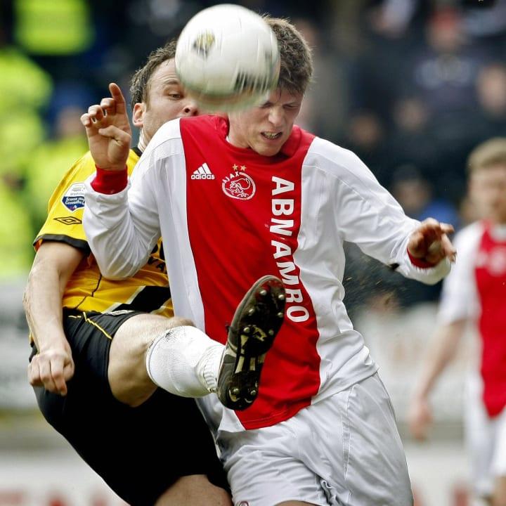 Ajax Amsterdam's Klaas-Jan Huntelaar (R)