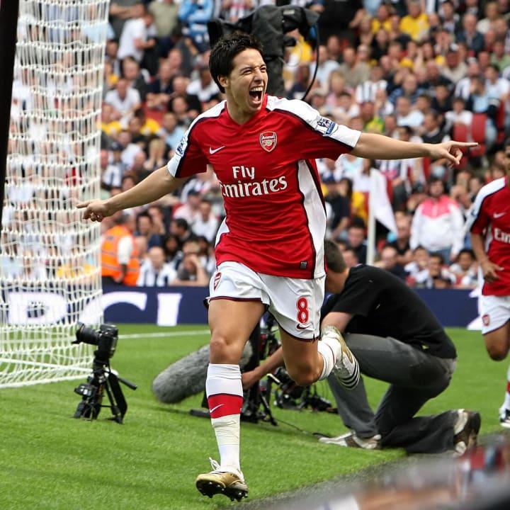 Arsenal's French player Samir Nasri (C)