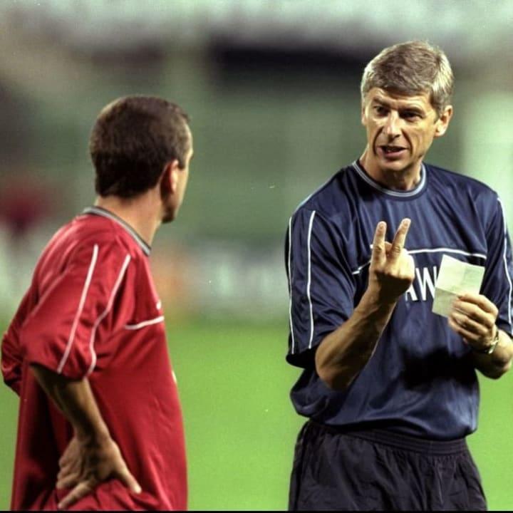 Arsene Wenger with Nigel Winterburn