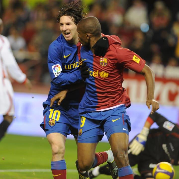 Barcelona's Samuel Eto'o (C) celebrates