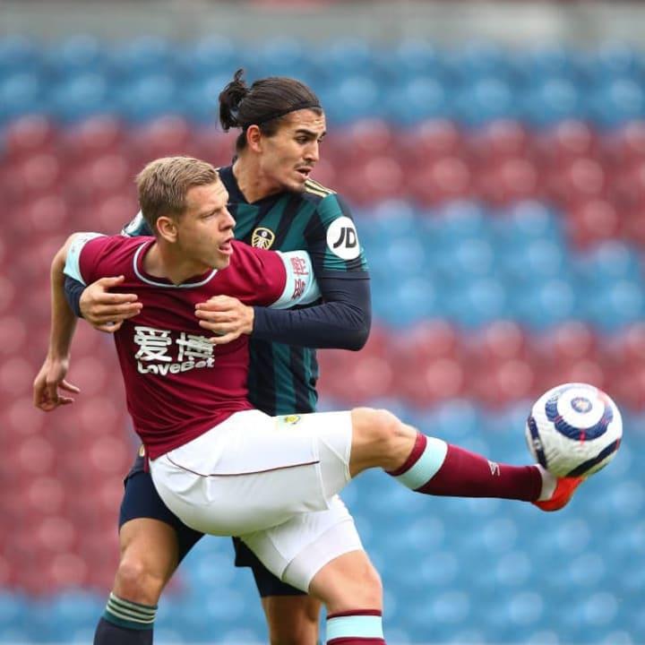 Matej Vydra shields the ball from Pascal Struijk