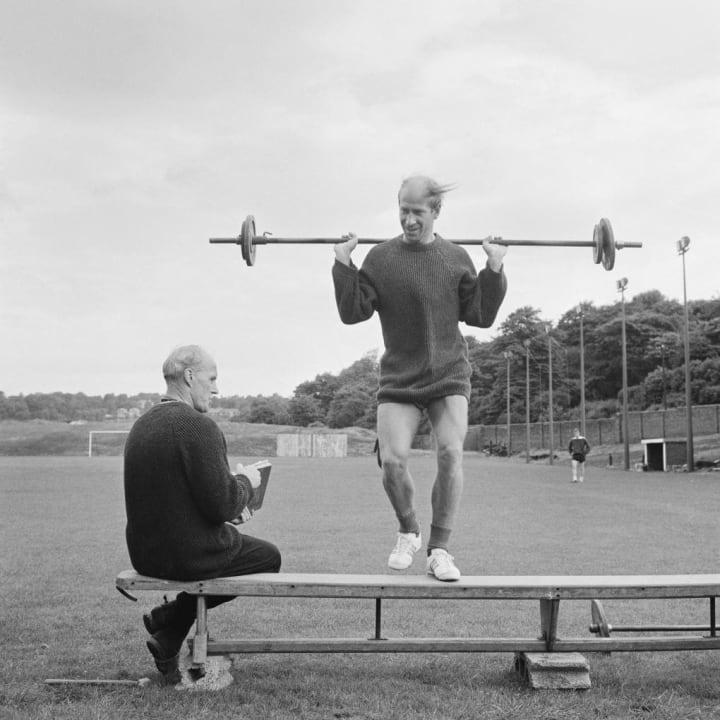Bobby Charlton y Jack Crompton