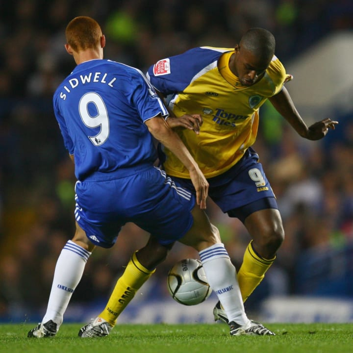 Steve Sidwell of Chelsea, Carl Cort