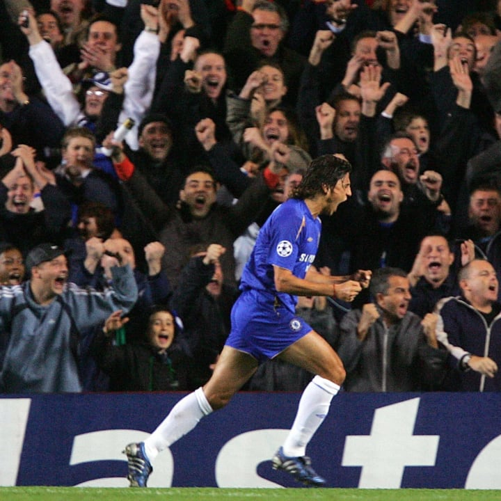 Crespo celebrates a UCL goal for the Blues