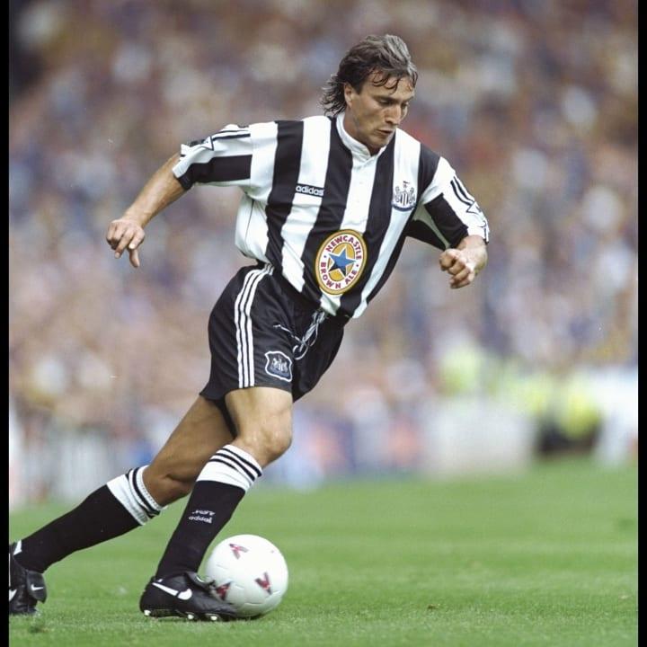 David Ginola of Newcastle on the ball