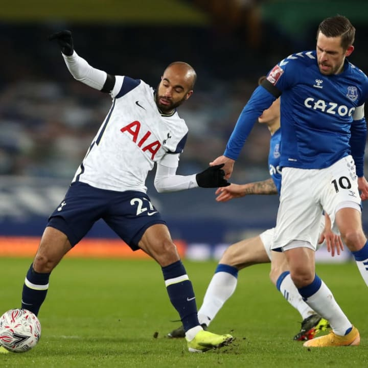 Moura started up top for Spurs