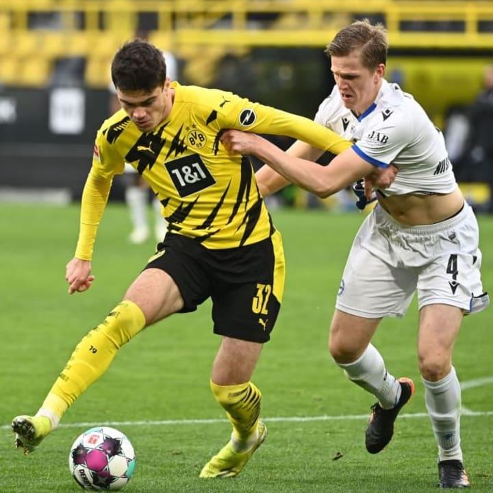 Giovanni Reyna started Dortmund's Bundesliga win