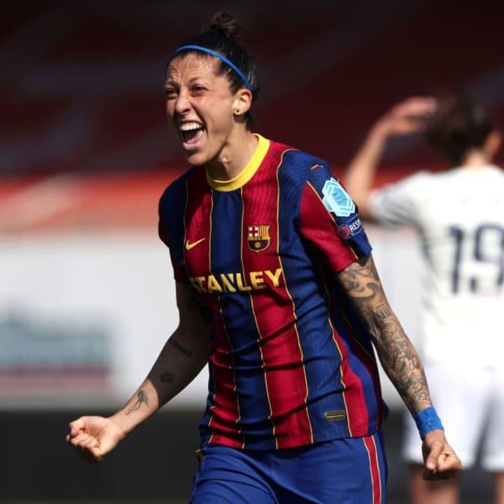 Pencetak gol terbanyak Jenni Hermoso mulai dari bangku cadangan melawan Man City