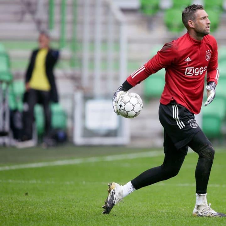 Stekelenburg is back with former club Ajax