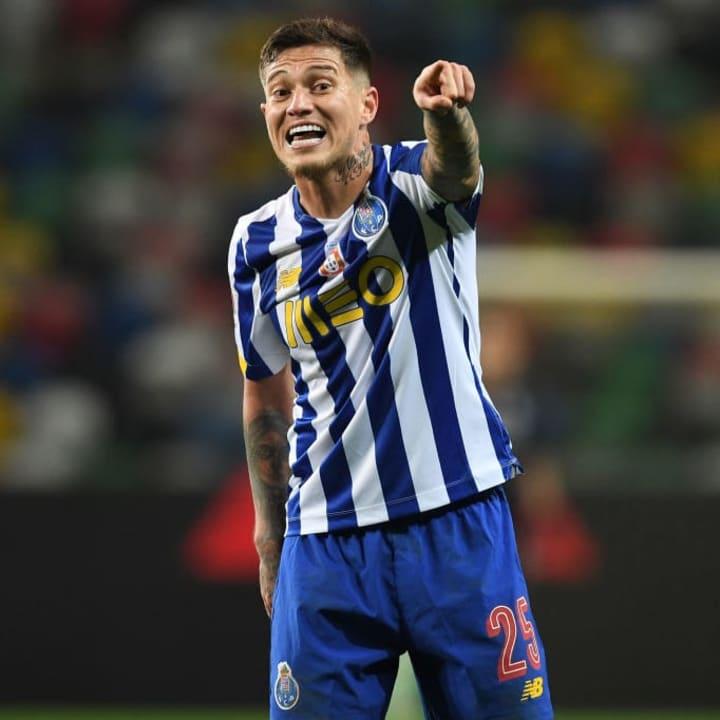 Porto hope to keep Otavio