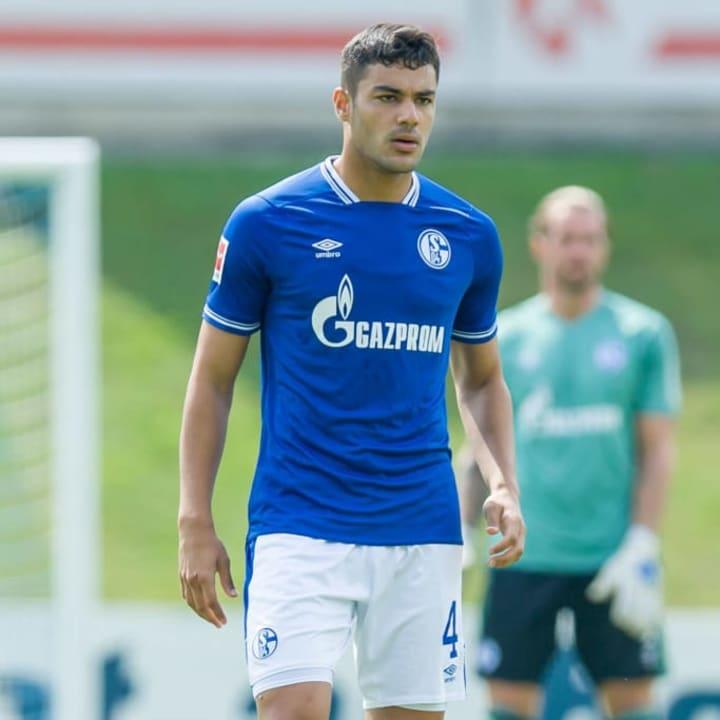 Ozan Kabak wird definitiv auf Schalke bleiben