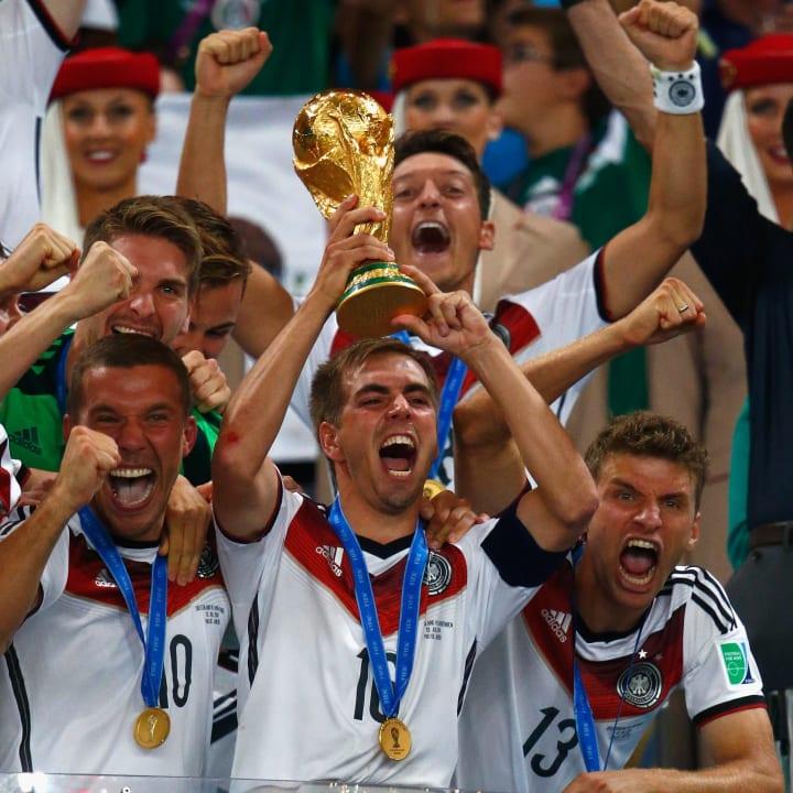 Lukas Podolski, Mesut Oezil, Ron-Robert Zieler, Thomas Mueller