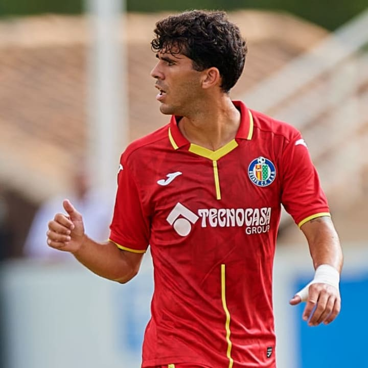 Barcelona accepted €5m for Carles Alena