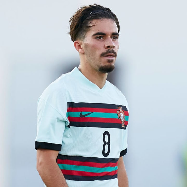Vitor Ferreira in action with the Portugal Under-21s