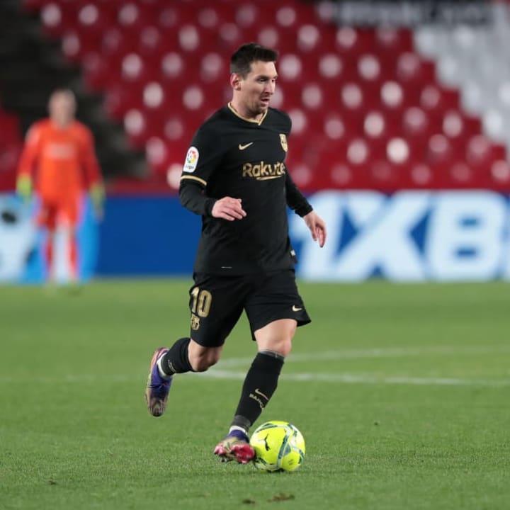 Barcelona delayed paying Messi's loyalty bonus