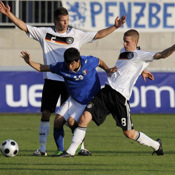 Diekmeier (l.) als Junioren-Natioanlspieler