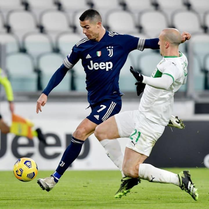 Cristiano Ronaldo, Vlad Chiriches