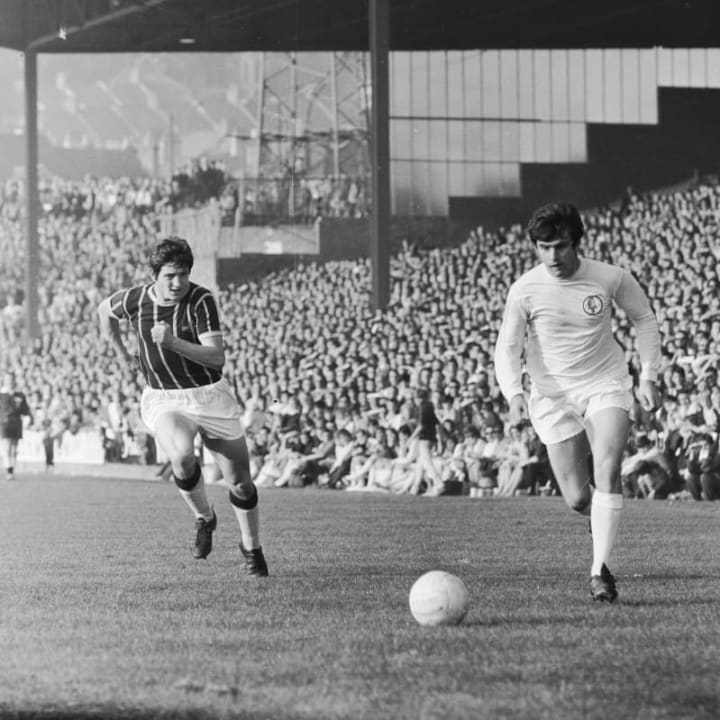 Lorimer in action for Leeds