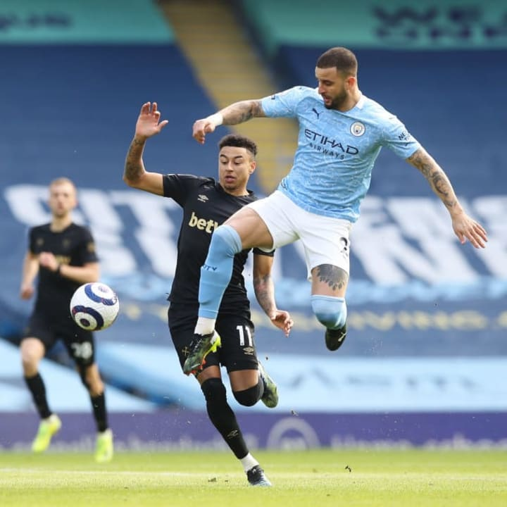Kyle Walker started at right back for City