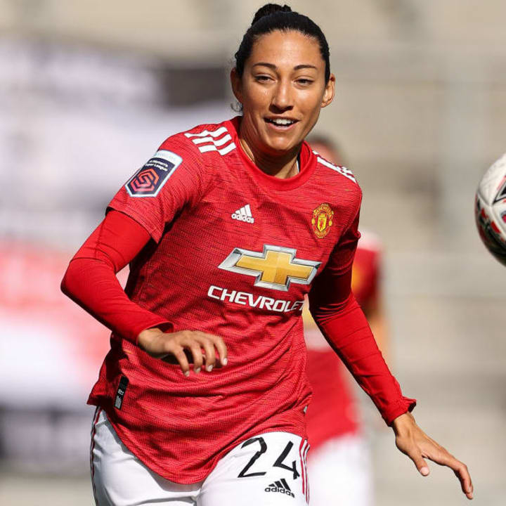 Christen Press wears #24 as a tribute to Kobe Bryant