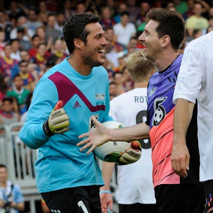 Julio Cesar, Lionel Messi