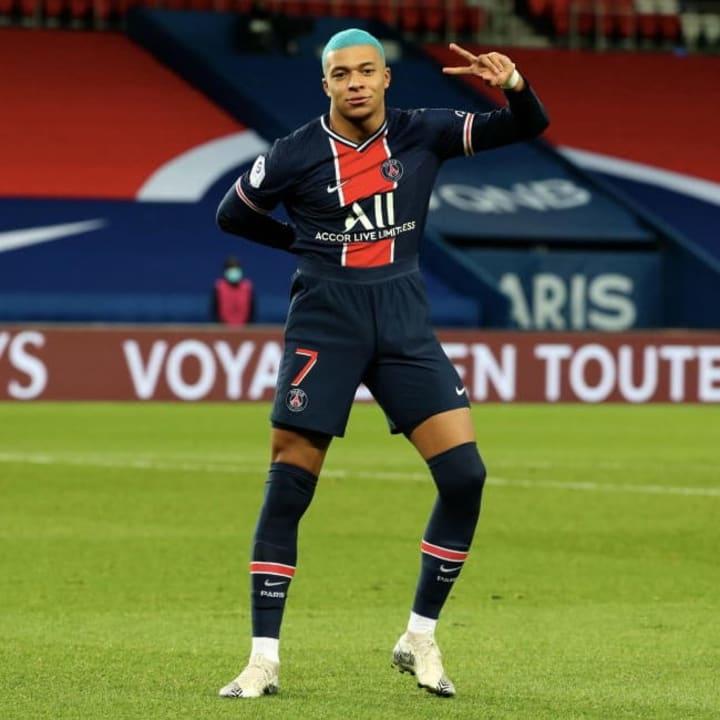 Paris Saint-Germain v FC Lorient - Ligue 1